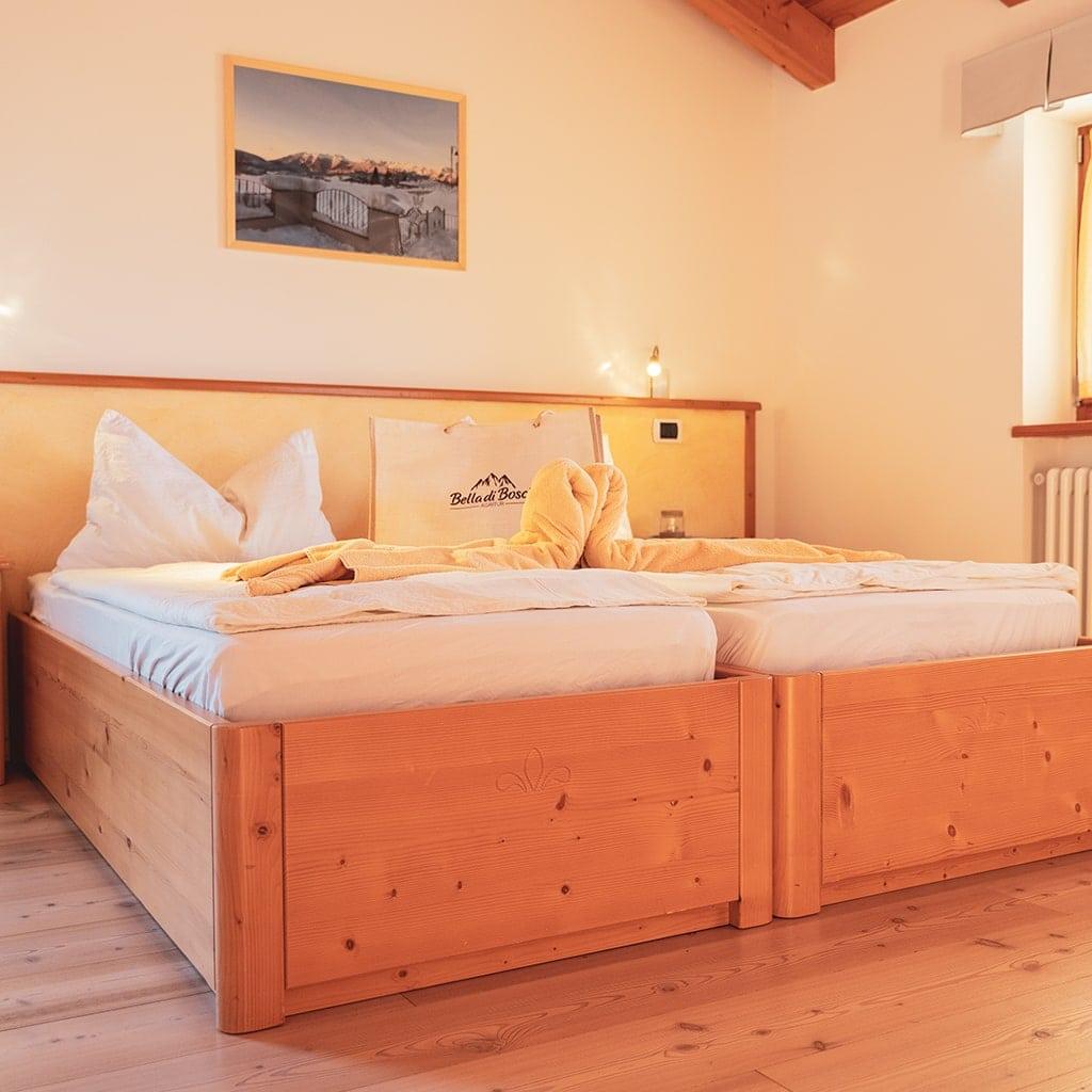 Letto A Castello In Larice.Le Camere Agritur Bella Di Bosco Smarano Trentino